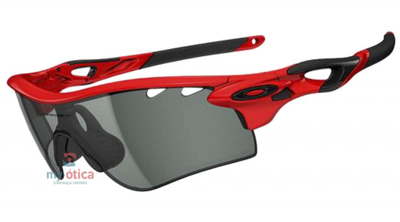 Óculos de Sol Oakley Radalock Path - Vermelho e Preto Fotocromatico ... 34c81191ef983